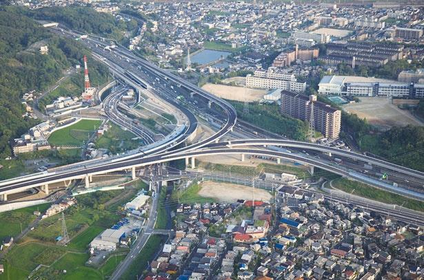 名神高速と新名神高速がクロスし、高槻の交通事情が大きく変わろうとしている