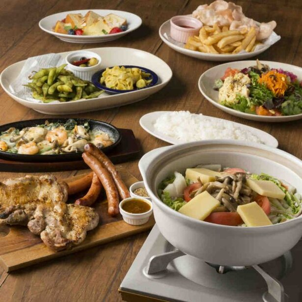 「babel bayside kitchen」ではラクレットチーズ鍋やお肉の盛り合せが楽しめるコースを用意している