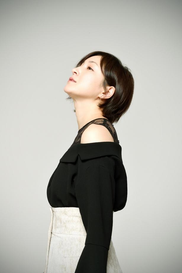 【写真を見る】広末涼子にとって、5年ぶりの舞台となる「シャンハイムーン」。その透明感は10代の時のまま!