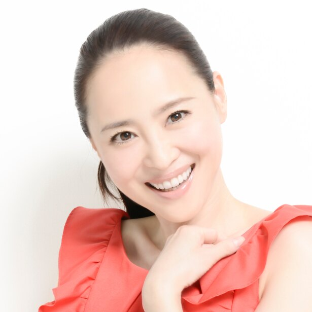 アルバムに収録された「新しい明日」は放送中のドラマ「マチ工場のオンナ」(NHK総合)の主題歌