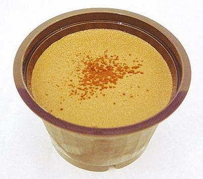 ムース・オ・ショコラ (¥160)/サークルK、サンクス。コクのあるビターなチョコレートムースの苦味を、中のキャラメルペーストの甘味が引き立たせている