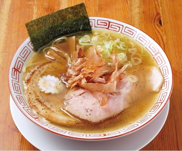 「追いガツオ中華そば」(750円)/自家製麺 くをん