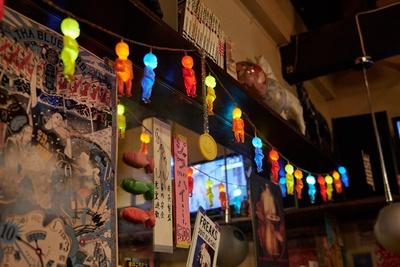 電飾系が好きだそうで、店内には様々なインテリアが