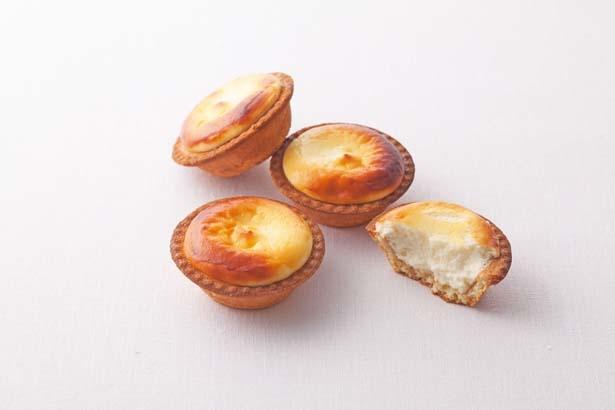 「焼きたてチーズタルト」(6個入り1242円)/BAKE CHEESE TART
