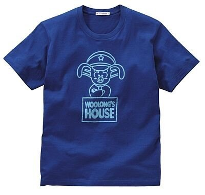 スケベな子豚、ウーロンがデザインされた「ドラゴンボール」のTシャツ。カラーはブルーのみ