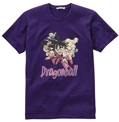 孫悟空、ヤムチャ、クリリン、天津飯、チャオズと、初期作品のメインキャラクターがプリントされた「ドラゴンボール」のTシャツ。カラーはほかにホワイト