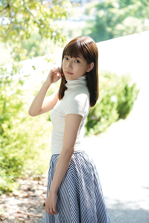 辰巳シーナ「辰巳シーナ Secret Lover シークレットラバー」(シャイニングスターエンターテイメント)より