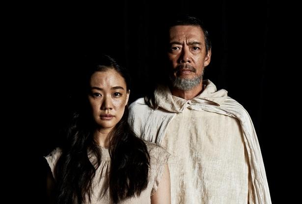舞台「アンチゴーヌ」で初共演する生瀬勝久(右)蒼井優(左)