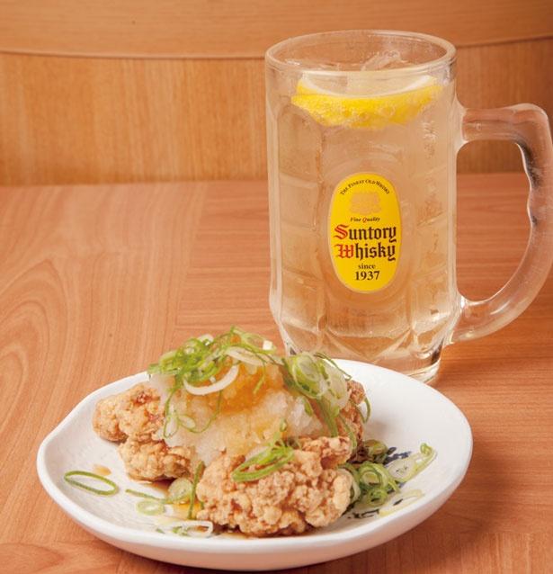 ハイボール+唐揚げの「ハイカラセット」は540円とリーズナブルな価格/角ハイボール麺酒場「天」