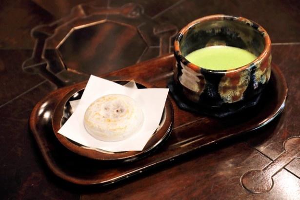 【写真を見る】「抹茶セット(梅ヶ枝餅付き)」(650円)