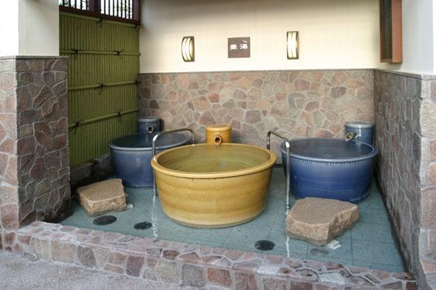 一人でのんびりと露天風呂を堪能したいなら、「壺湯」がおすすめ/彩都天然温泉 すみれの湯