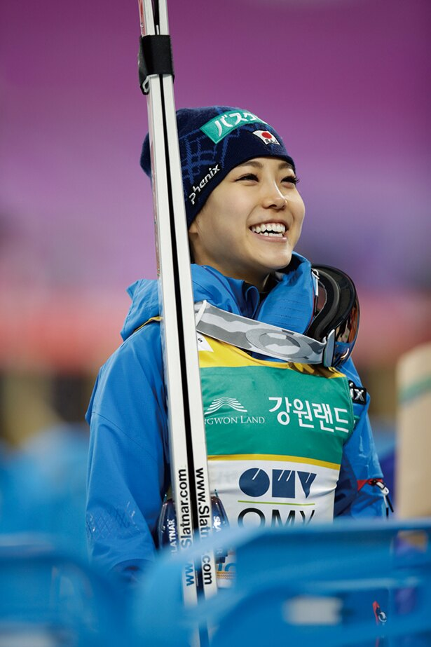 高梨沙羅(たかなしさら)=スキージャンプ●1996年10月8日生まれ、北海道出身。2016-2017W杯総合優勝。2014年ソチ五輪では4位に。悲願の金メダルを狙う