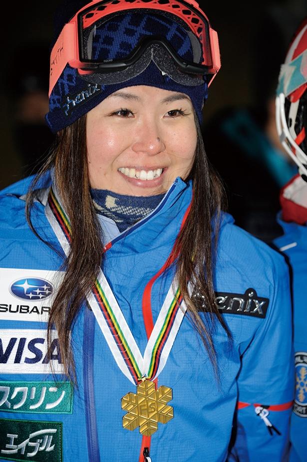 【写真】小野塚彩那(おのづかあやな)=フリースタイルスキー●1988年3月23日生まれ、新潟県出身。2011年にフリースタイルに転向。挑戦から3年でソチ五輪銅メダルに輝いた