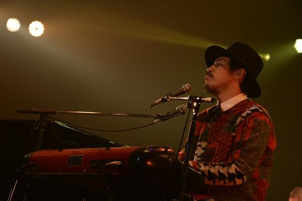 常田真太郎の演奏がライブを盛り上げる