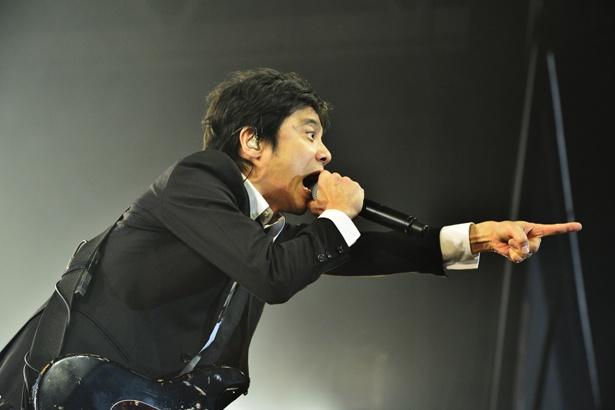 エレファントカシマシ・宮本浩次が熱唱