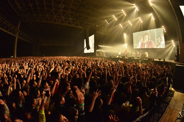 「COUNTDOWN JAPAN 17/18」KANA-BOONのステージ