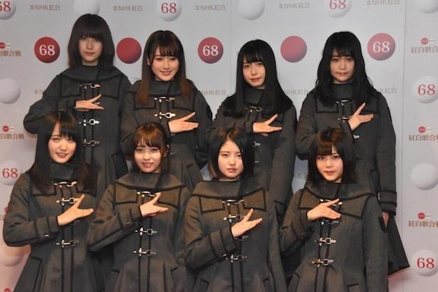 囲み会見時の欅坂46