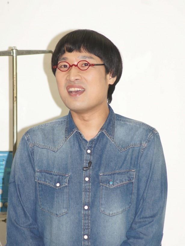 【写真を見る】山里亮太は「YOUさんの言葉のおかげで前へ進めるようになった」という寄せられた手紙を代読