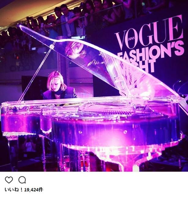 YOSHIKIの代名詞ともいえるクリスタルピアノ