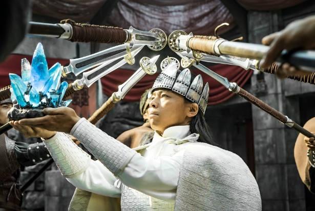ログサムに代わり、カンバル王国の新国王となったラダール