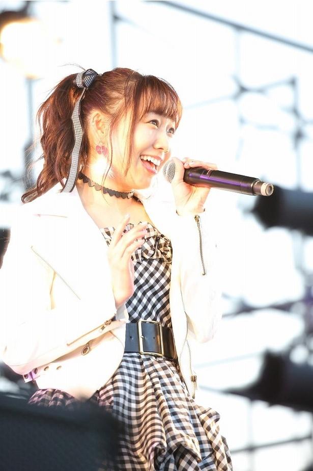 「今の私じゃダメなんだ」を歌唱する須田亜香里