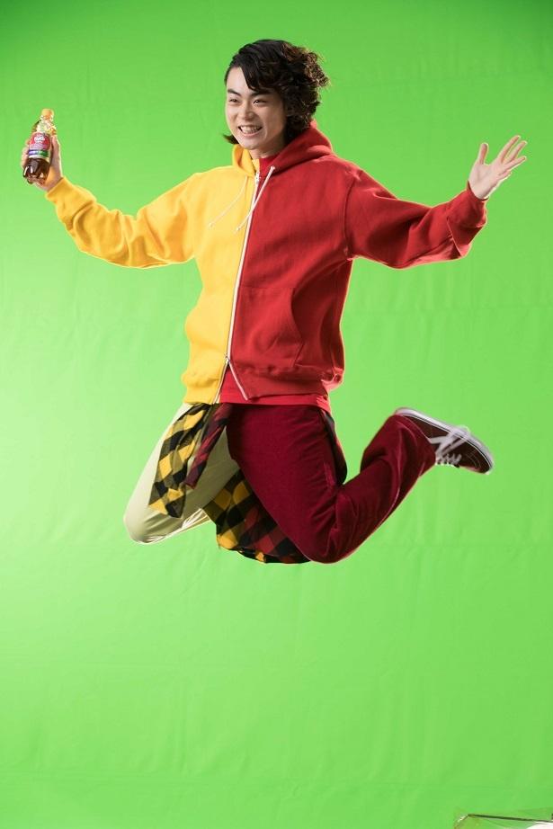 トランポリンで「Wジャンプ」!