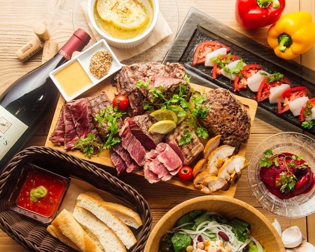 裏NO庭 銀座店では、「6種の選べるステーキ食べ放題フェア」(90分2980円)を1月10日(水)より実施する