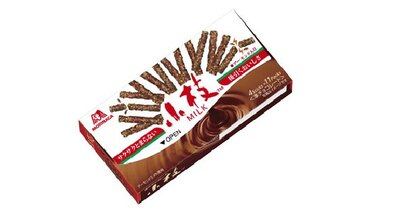 【写真を見る】森永製菓のロングセラー商品「小枝」は、マイルドなチョコレートとサクサク食感のクランチが後を引く