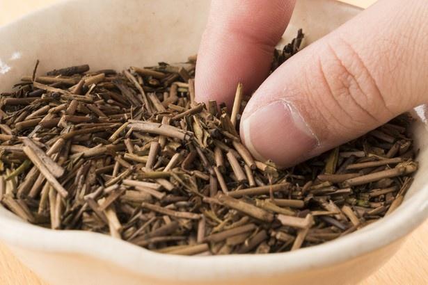 工場直送される鮮度の高いほうじ茶をふんだんに使用する
