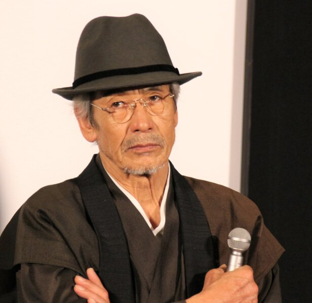 田中は「命を売る」羽仁男の1人目の依頼者を演じる