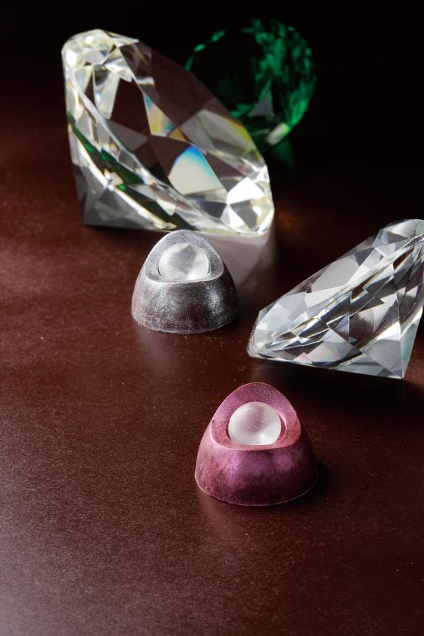「ショコラティン」のジュエリーシリーズ ダイヤモンド2P(ダイヤモンド&ピンクゴールドダイヤモンド)( 3456円、2個入り)