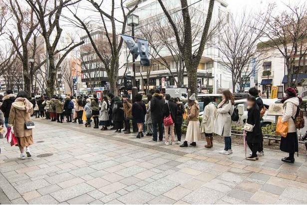 原宿店オープン初日は100人以上の行列が出来るほどの人気