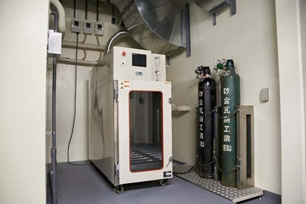 注射で処分できない犬は処分機で、吸入麻酔を行ってから炭酸ガスを注入/大阪府動物愛護管理センター