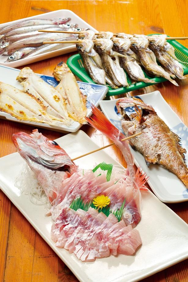 「道の駅 舞鶴港 とれとれセンター」では、舞鶴港で水揚げされた魚介などが食べられる