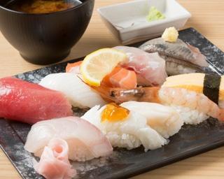 「寿司ネタ2枚のせ」が斬新な海鮮居酒屋!【Go!Go!シーホース番外編 】
