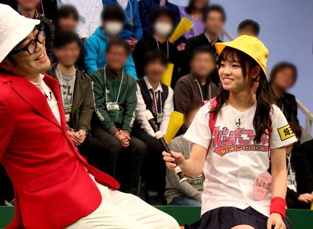 【写真を見る】第5回放送では小学生ルックで鈴木拓をどぎまぎさせた