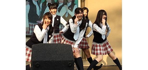 """【写真】""""アッカンベー""""が決めポーズ!そのほか、イベント写真はコチラ!"""
