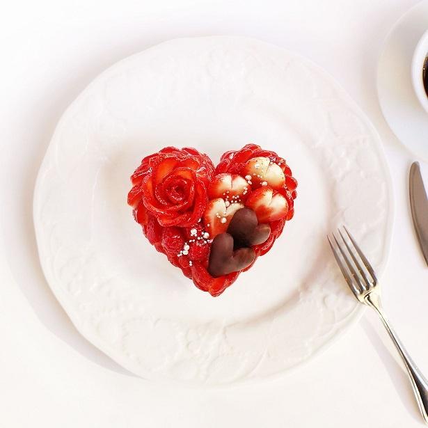 キュートなハートの形をしたいちごのケーキはバレンタインギフトにぴったり!