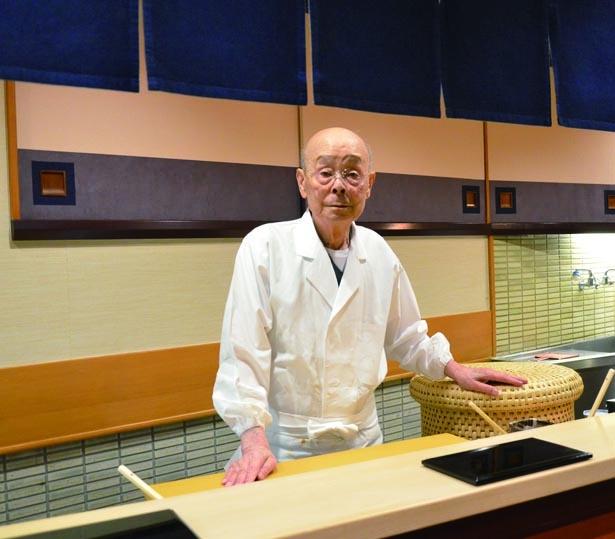 すきやばし次郎のオーナー兼職人、小野二郎氏