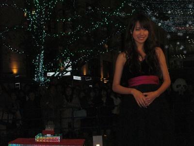 笑顔の戸田恵梨香