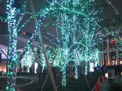 赤坂サカスの入り口から