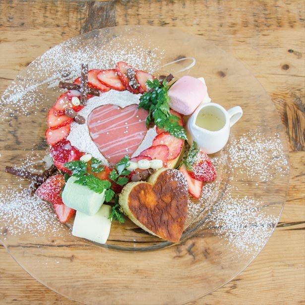 バレンタインにぴったり「ハートのフォンターナ~とちおとめのカスタードソース~」(税抜1580円)
