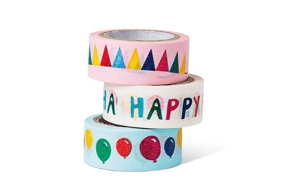 【写真を見る】紙テープ(税抜300円)は、パーティーの飾りつけの必須アイテム!お気に入りのデザインを見つけよう!