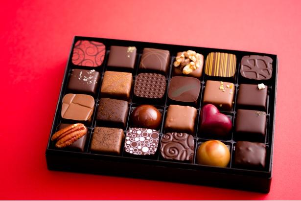 「Bon Bon Chocolat Assortiment」24個入り(5200円)は、シーンに合わせて4種類から選べる