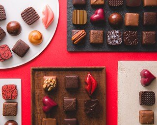 東京・銀座のショコラトリーにて毎年人気のくちびるの形をした限定ショコラ&ボンボン発売