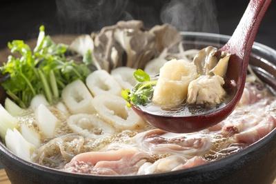 秋田名物のきりたんぽ鍋、写真はイメージ
