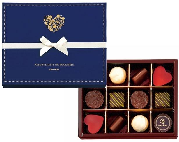 「アソルティモン ドゥ ブーシェ」(756円)は、チョコ好きな相手にぴったりな6種類のボンボンショコラの入った商品