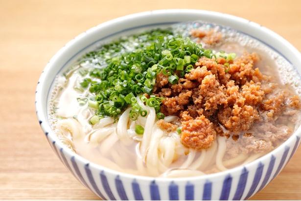 手打ち麺×ダシが最高!「鶏そぼろうどん」(800円)