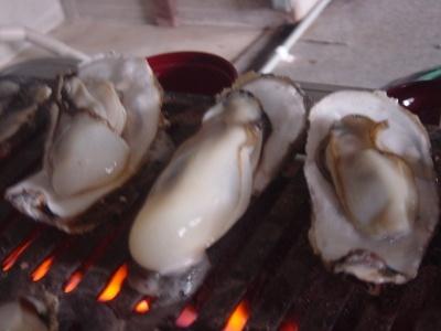 汁あふれる焼き牡蠣バイキング