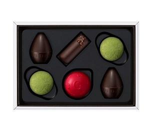 ヤニック・シュヴォローは、世界で5人のゴディバ シェフ・ショコラティエの一人として、数々のコレクションを開発している人物だ。